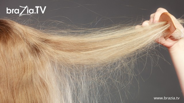 4 Secrets to Fighting Annoying Winter Hair Static!